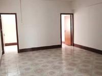 君悦酒店附近-步梯中楼层三房装修新净-仅售26万包过户-包过户!!