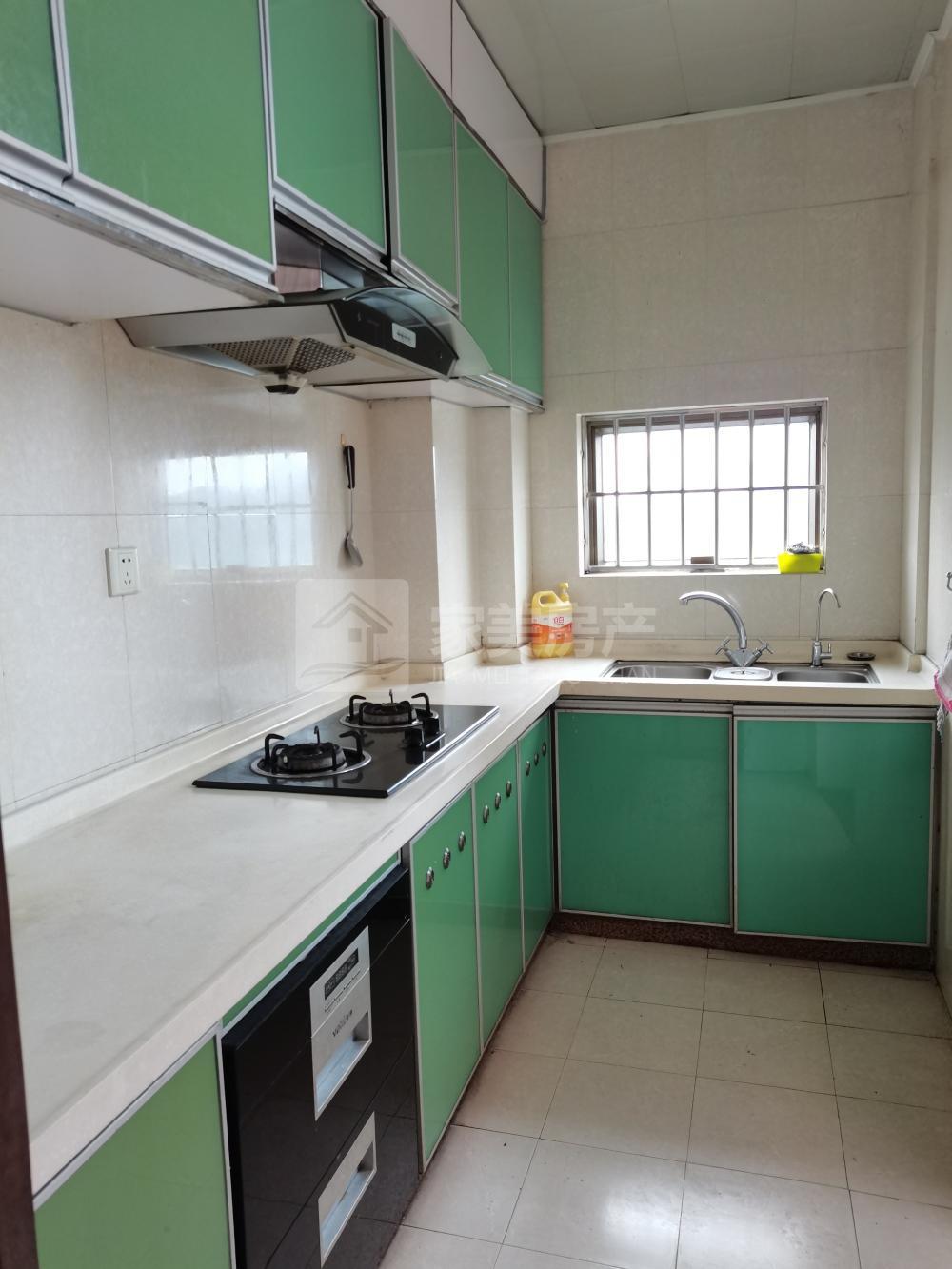汇源豪庭 3楼 精装三房 装修新净 家私电齐 月租1700元!
