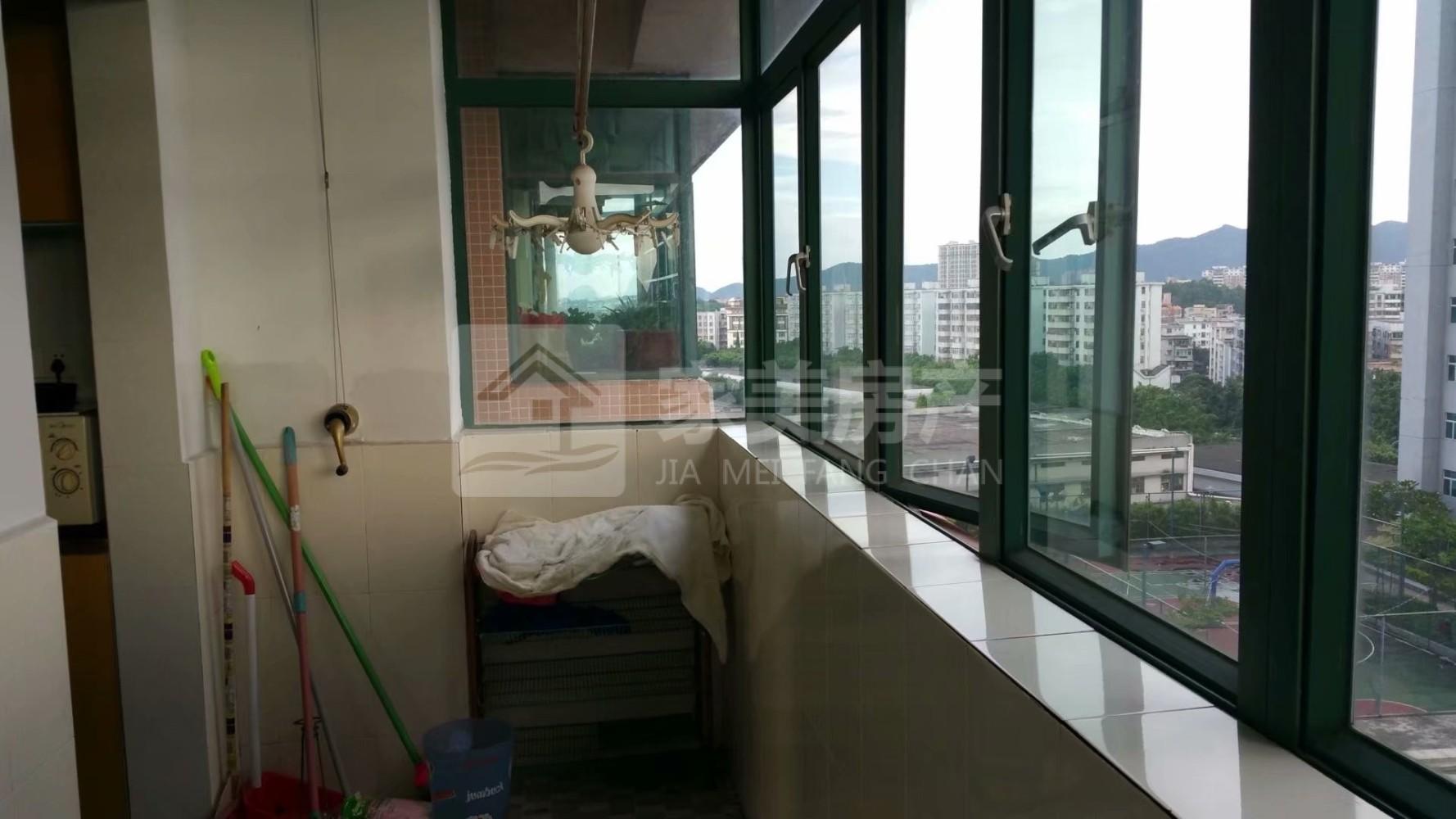 城区江景洋房 君临天下 113方高档装修 设施配套齐全 仅1800元/月