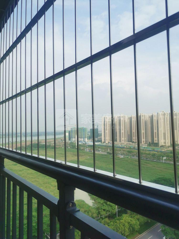 西江新城 电梯江景洋房 业主降价急租 大三房 设备齐全 拎包入住 仅2300元月