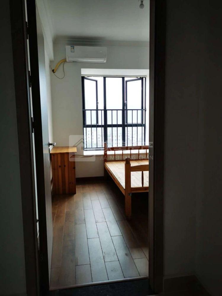 明城 锦绣明城 大三房 电梯中层 全新装修 未入住过 设备齐全拎包入住