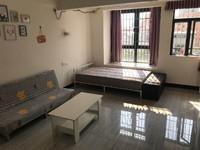 众恒新城 小区管理公寓 1房1卫 家私家电齐全 租950 包物管