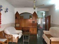 河江 荣昌街附近 3房2厅家私家电齐全 租1100 随时看房