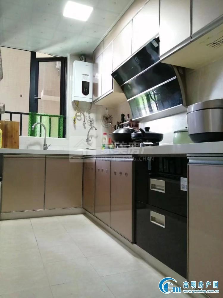 银豪锦湾家园,全新精装修4房,家私家电齐全,拎包入住!