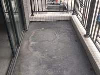 河江-誉港湾 电梯中层 实用3房 毛坯 首付仅需21万 满2年 过户费用较少
