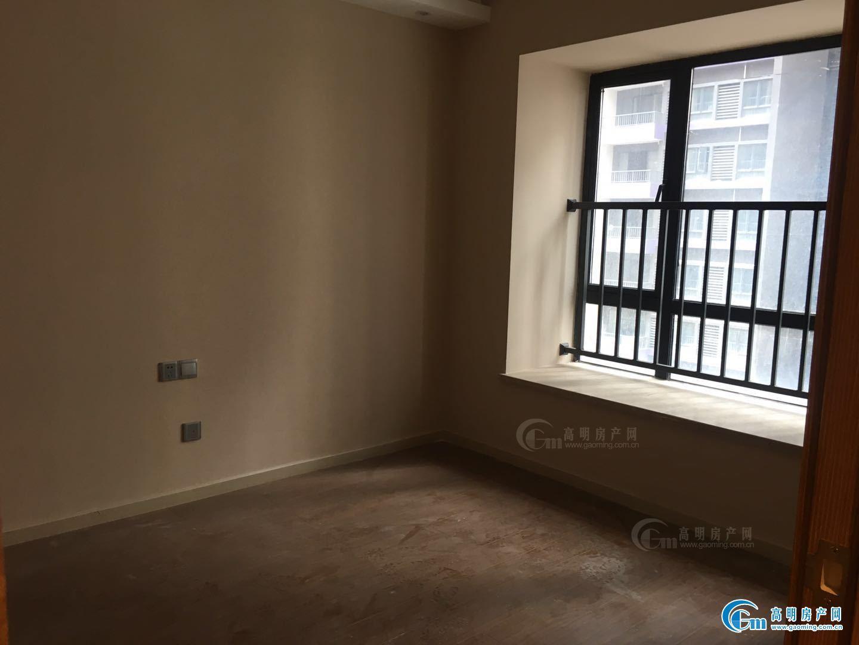 西江新城 适合做小型办公室 停车方便 交通方便