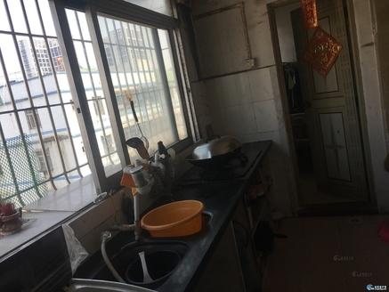 中山花园 3房2厅 厅大房大 装修新净 只卖36万