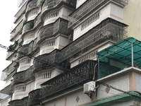 出售百花街 百花楼4室2厅2卫153平米82万住宅