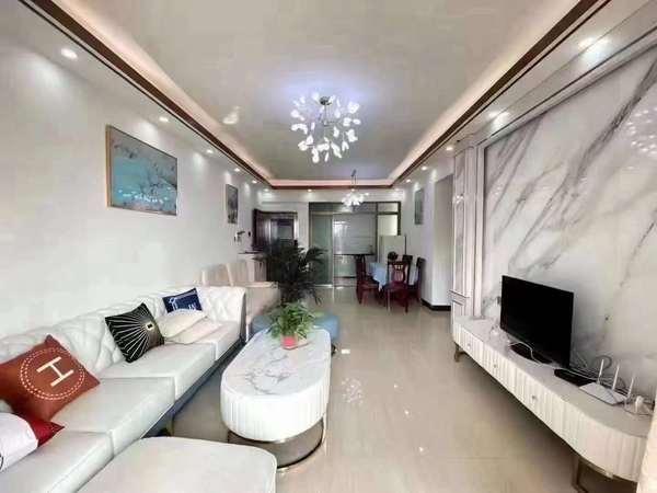荷城区大型小区豪华装修三房二厅,可拎包入住。业主诚意出售价73万!