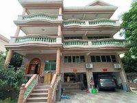 别墅出售 金鹿花园 花园360方,1至3层,精装修,独立土地证,现售600万