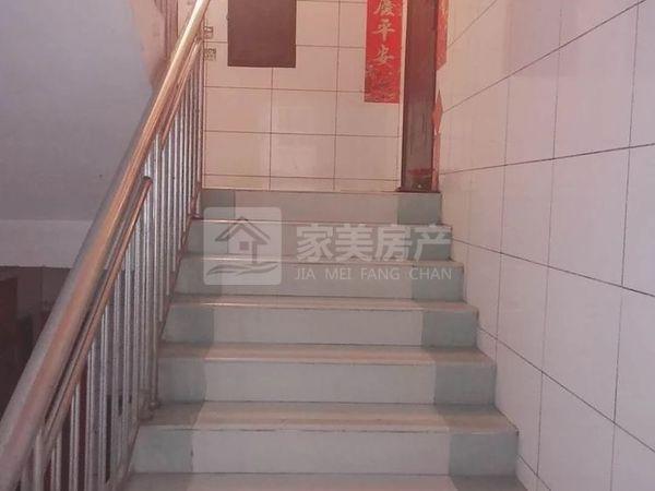 河江广平街 精装3房 楼龄新 學区房 生活配套完善