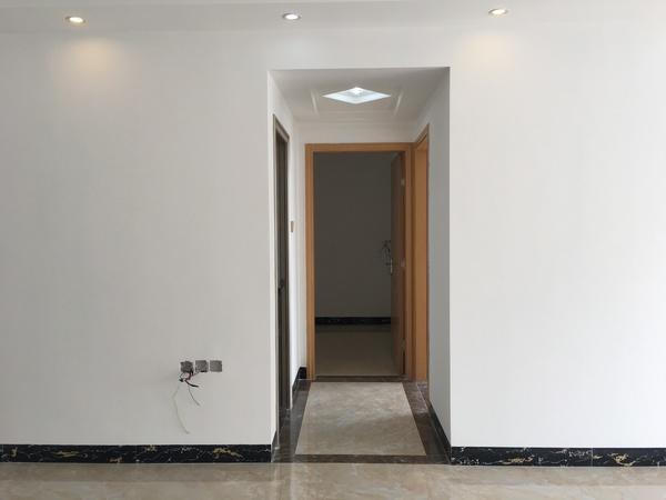 富湾学府旁两房带装修 可改三房 总价5字头即可拥有