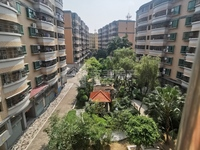 城南花园 低楼层 单边楼采光一流 豪装修拎包入住 业主仅售70万