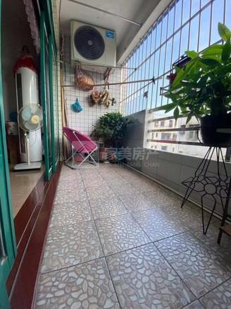 汇江花苑,够五唯一,税费够低,装修新净,拎包入住,业主诚意出售仅63万。