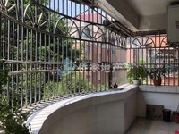 城中靓小区京山花园,小区环境好停车位充足,低层单梯独户超大三房可改四房,售85万