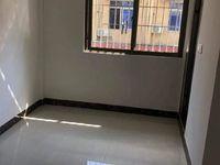 东升市场附近 马赛克外墙步梯低层 三房带主套 全新装修 拎包即可入住