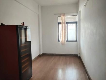 文华路附近-马赛克外墙中楼层三房装修新净拎包入住那种-够五唯一税费低