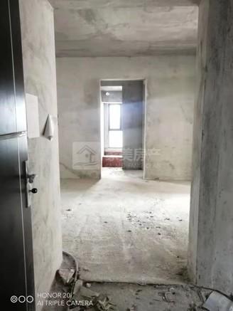 银豪富隆湾 西江新城 新城小学旁 过户费可协商 毛坯3房 有轨电车接驳!!!