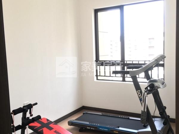 西江新城 4房 精装修 够2年 税费低 单价10000 方