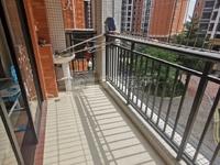 盈信广场商圈旁精装电梯洋房,自带小区管理楼层远,房屋格局方下实用,出入交通便利。