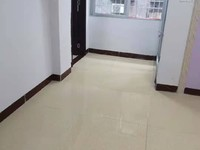 莲花市场附近 步梯二楼三房带主套新装修 仅售33万包过户包过户!!