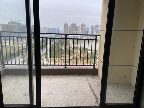 西江新城明湖一期 南向望湖望江 景色非常怡人