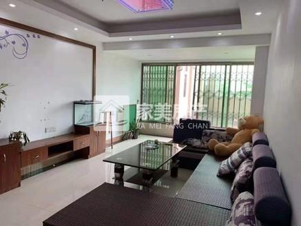 送80方大露台,房屋实用面积120方,精装修三房二厅,业主急售总价仅89.9万!