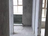 美的东郡旁-电梯中楼层两房采光透亮-四通发达-户型周正-入住率高-小区热闹