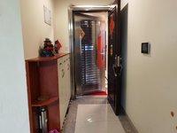 南海 西岸翡翠湾 电梯高档装修大3房 格局正 采光充足 保养新净 小区整洁