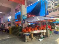 华阳市场 单边位水果档 人流量超大 生意好 由于忙不过来 现低价转让