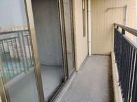 单价8字头 中港广场 大润发商圈 三房带主套 户型实用 周边配套齐全
