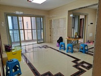 君御海城 精装修113方3房2厅 月租2500元 带家私电器 装修精美 拎包入住