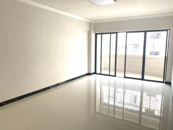 城中心大润发商圈荷香苑新装修4房 免去装修钱 即买即住
