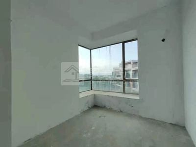 河江汇源豪庭四房出售,格局实用,大型小区管理,已拉水电,仅售59.8万!!!