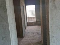 城区电梯楼 总价4字头 实用两房带主套 超大阳台 楼龄新