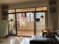 碧桂园二期3楼,单价6400,够5年过户费税费低,业主急售,环境舒服,厅大房大