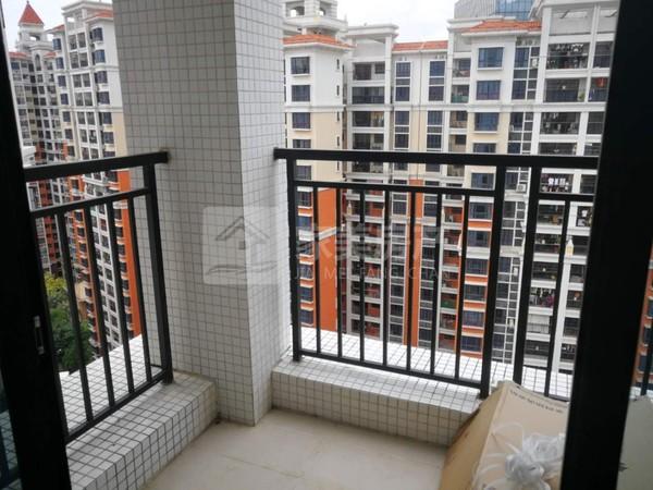 富星半岛 盈信广场商圈 近学校近公园 精装3房 家私电齐 仅租2500 首次出租