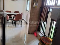三洲水岸华庭 全新精装修4房 过俩年 业主诚意出售 随时看房