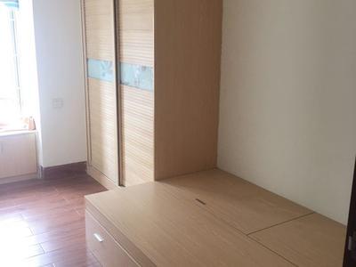 中恒广场 精装修3房2厅 家私家电齐全 业主诚意出租 拎包入住
