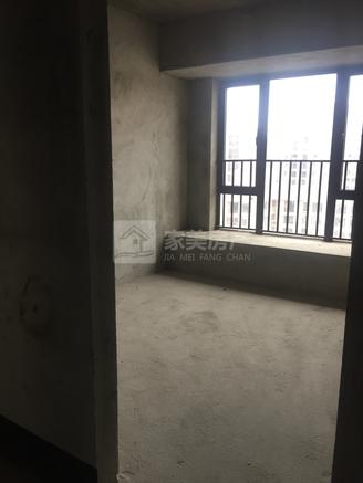 70万买东湖洲花园对面锦湾靓楼层三房二厅,有赠送面积!