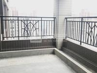 新城稀缺空中别墅,单价9字头实用400平方,送自用天台,够两年过户费低,厅大房大