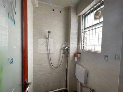 荷城电梯小区 精装出售 单价6200一方 笋到爆 直接拎包入住 够2年 随时看房