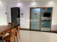 喜悦银湾2楼带大平台,新装修大三房,原租2000元,现仅租1600元