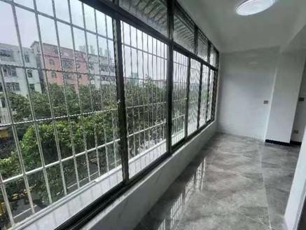 河江民安市场附近 4楼 80方3房 全屋精装 只卖39万