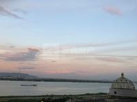 首付两成,西江新城中层望江单位,够两年过户费低,单价9字头精装修,景观视野无遮挡