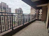 美的东区南向7米大阳台,送车位,够五唯一过户费低,花园中心位楼皇楼层,错过不再有