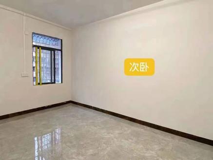 星河路大快乐附近低层2房 全新装修