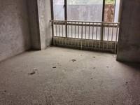 中恒广场 109平米 3房两厅有主套送大阳台 卖85万