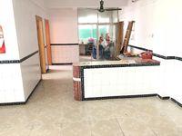 沛明小学 区房-马赛克外墙带平台的中楼层三房带可住人的杂物房-单价仅需三字头-笋