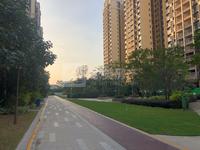 金骏广场 靓楼层 投资自住首选 四房毛坯楼 只售78万 小区配有娱乐悠闲设施